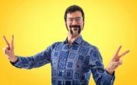 Shaped facial hair (goatee, moustache)